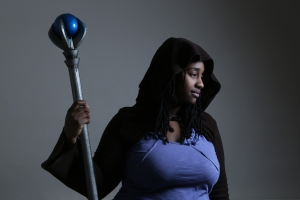 Ileandra with her staff